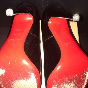 Christian Louboutin Shoes - Christian Louboutin décolleté patent leather pump